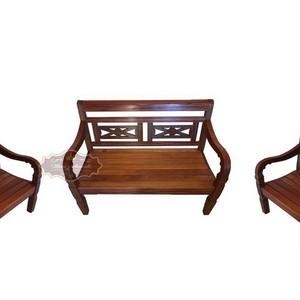 Cadeira rústica de eucalipto
