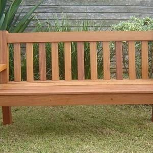 Espreguiçadeira de madeira dobravel