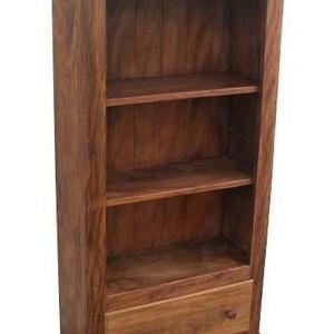 Estante livreiro de madeira