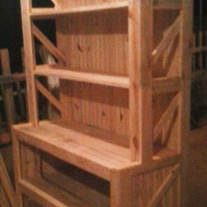 Criado mudo de madeira
