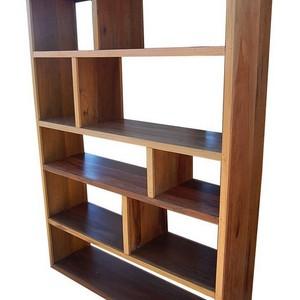 Gabinete de madeira maciça