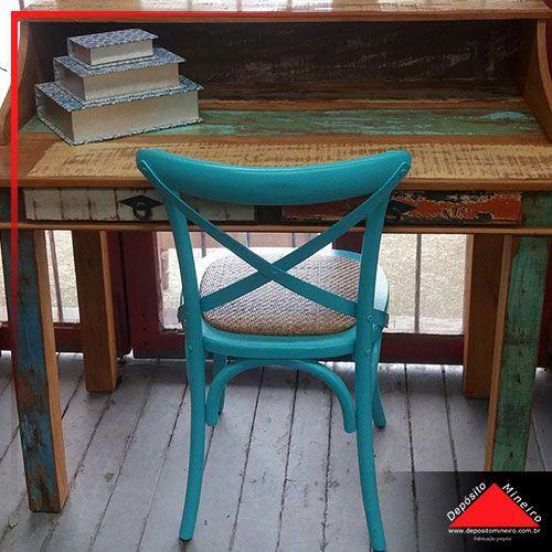 Escrivaninha de madeira rústica